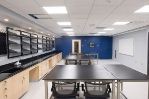 Photo of the science lab at the CEC in Homewood